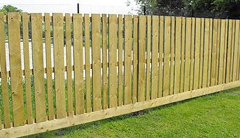 Vertical panel fencing